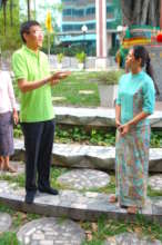 Students Meet Dr. Pichai Supporter of SENS Program