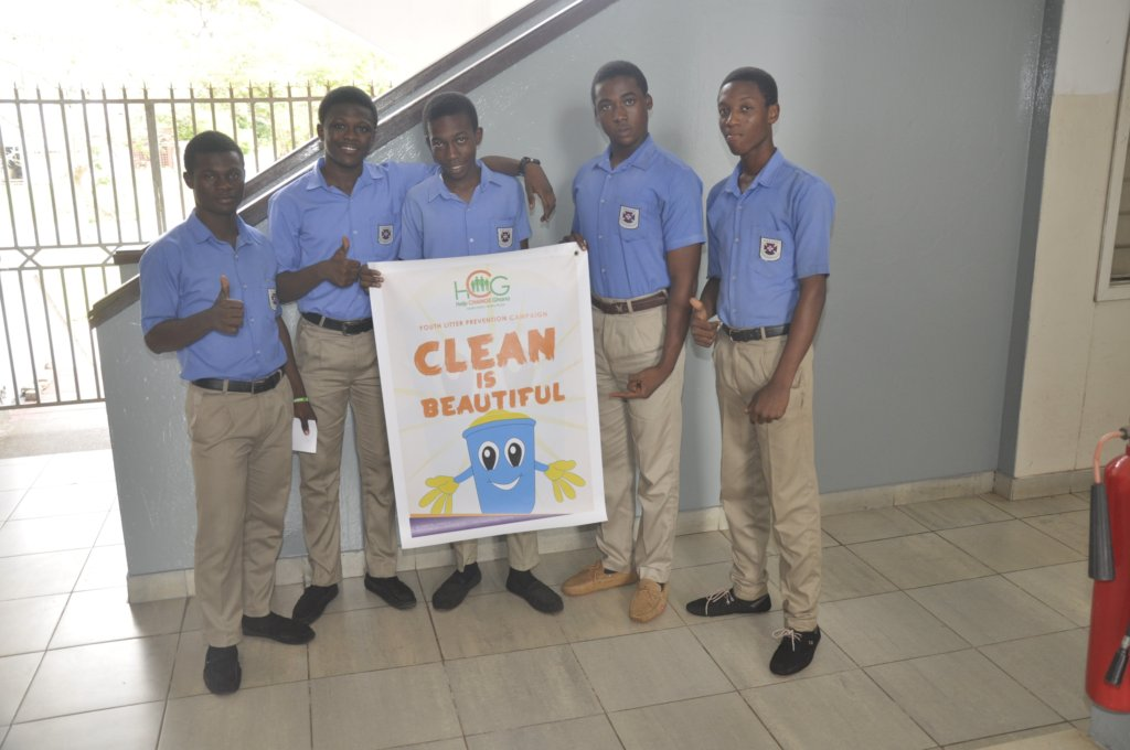 Project Anti-Litter for 1000 Students in Ghana