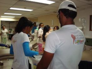 SAI Volunteers deliver meals to hospital patients