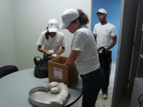 SAI volunteers prepare to deliver hospital lunches