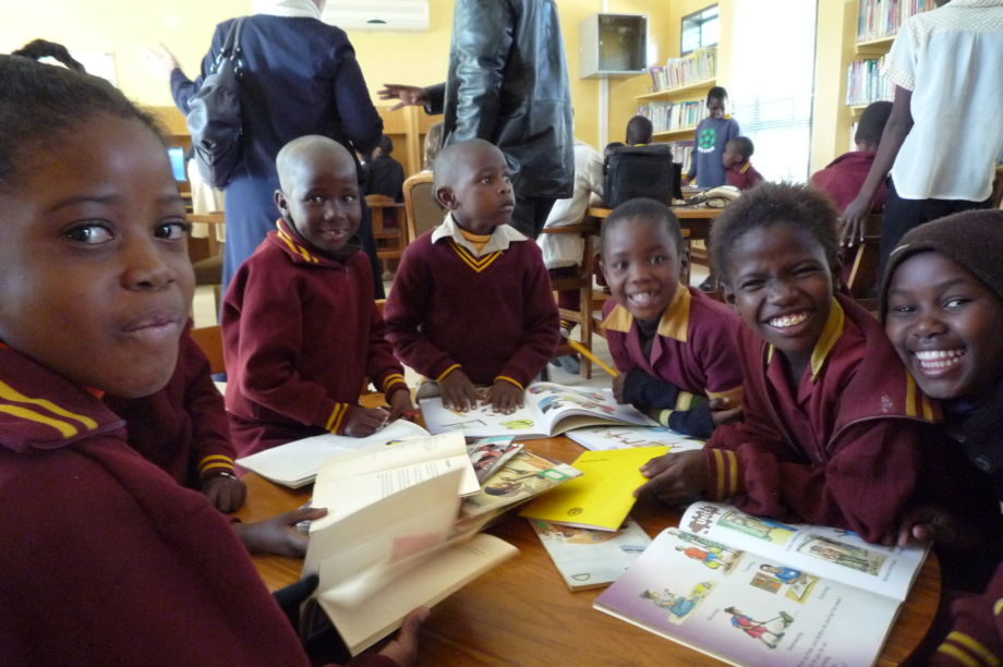 Bring innovative libraries to 100,000 Africans