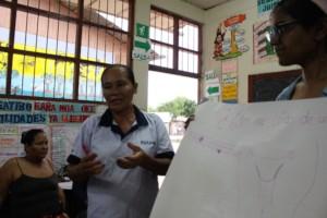 Our shipibo nurse Silveria explaining anatomy