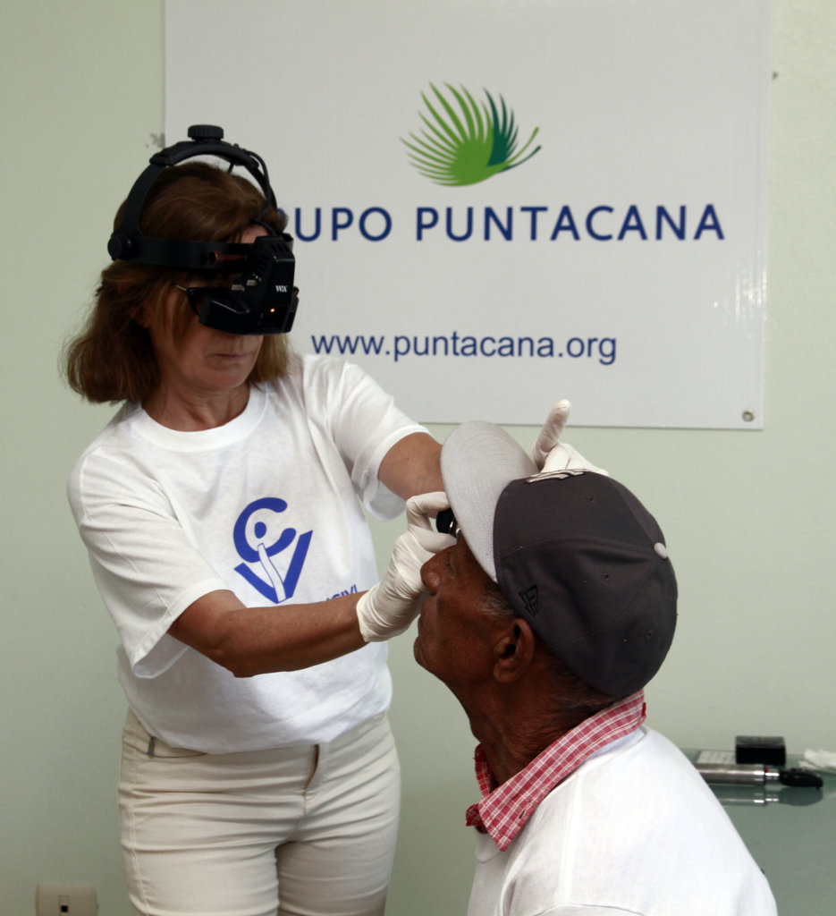 OPHTHALMOLOGIC CENTER TO AID PEOPLE IN NEED IN DR