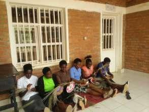 Isano Recipients Weaving