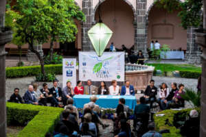 Agua Vida and local Government sign the agreement