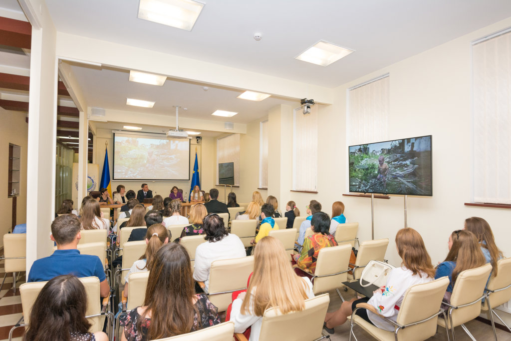 Peace School for 1000 Ukrainian youth