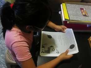 """Lidia reading the story """"Nino Robot"""""""