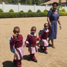 Children to kindergarden