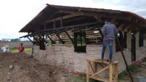 The community center in Tepapayeca is almost done