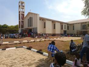 Lira Cathedral: Girls were expose too