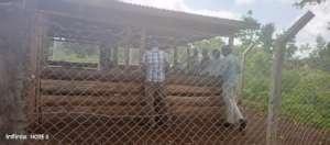 DVO Kole show the team the poultry Demo Center