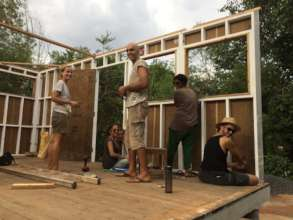 Building together innovative temporary housing