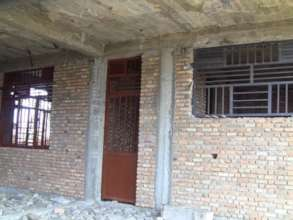 Placement of windows and doors in maternity ward.
