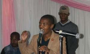 Slam performing her poem