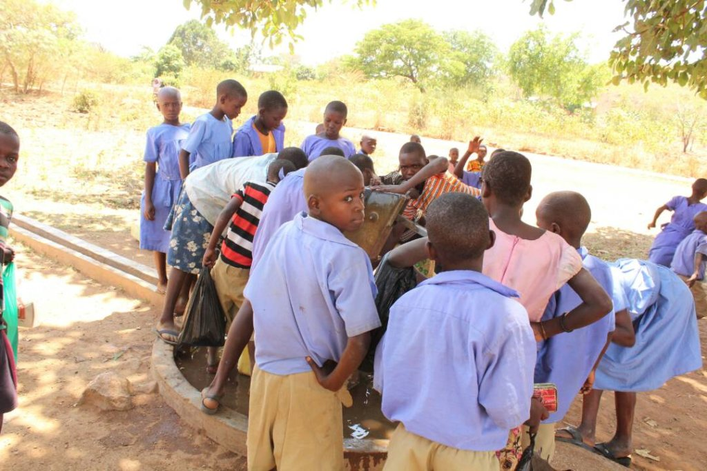 Drinking water for a primary school in Uganda