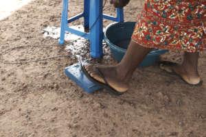 Foot-operated Maji Bucket