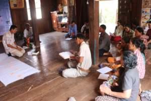 Koy Thea leading a Bible study