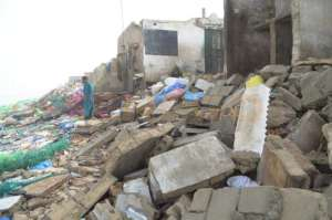 Destroyed houses by sea advance