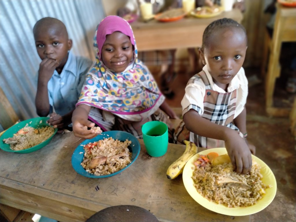 Help Feed 250 Hungry Children in Kenya