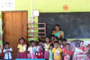 K.V. Gunawathie & students, Dilena Tharu Pre-Schl