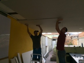 Installing drywall with German