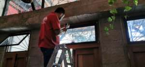 Installing facade windows and mosquito screens