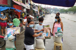 Distribution of relief goods in Navotas