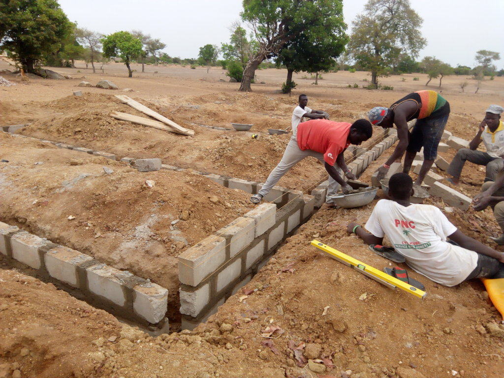 Completing the Craft Center for 500 Women in Ghana