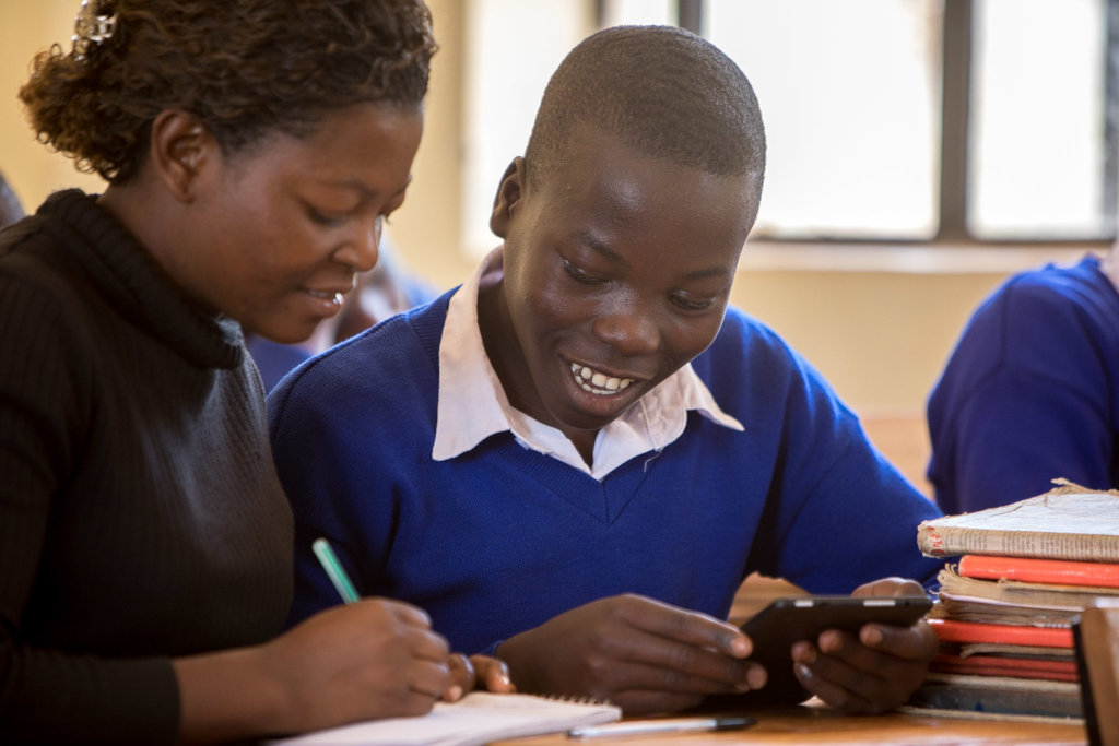 Help 1,000 Tanzanian pupils use tablets to study