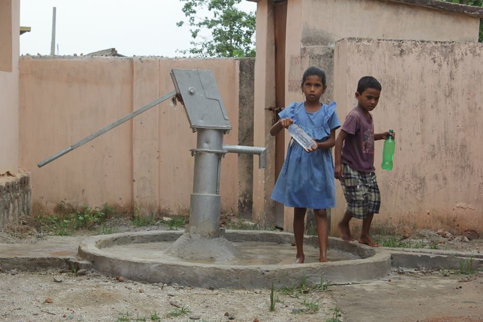 Gift Life to 1000 water starved families in India