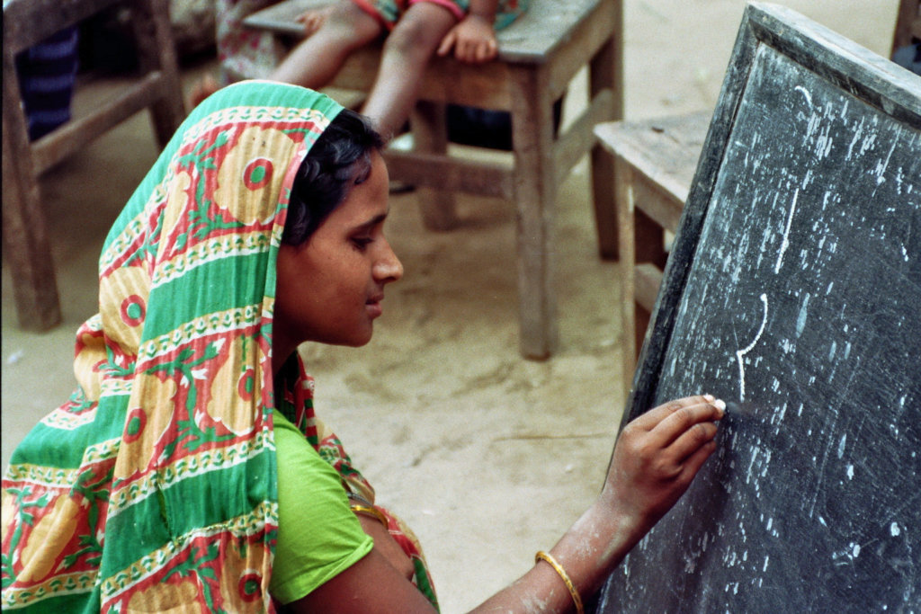 Offer 75'000 women in Bangladesh a perspective