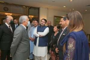 President Alvi Meets Guests