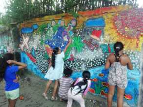 Eco Artistic mural with recycled materials!
