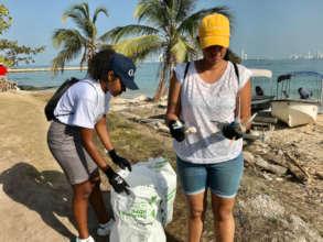 Beach cleanup at Punta Arena