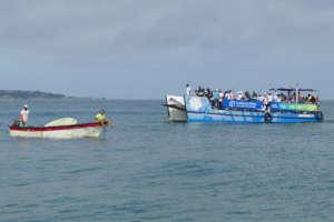 Transporting volunteers to Tierra Bomba