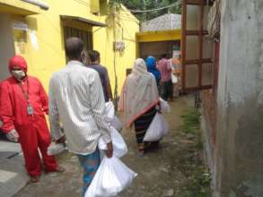 Students' Families Got Food in this Pandemic
