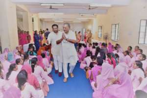 Govind Singh Rathore introducing students