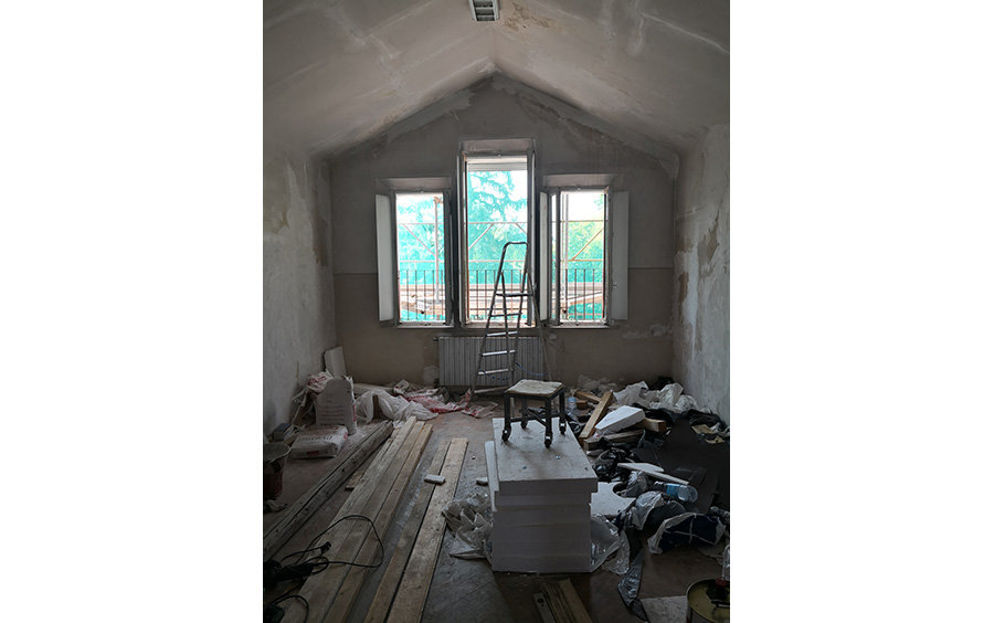 Renovate a training centre in Italy for volunteers