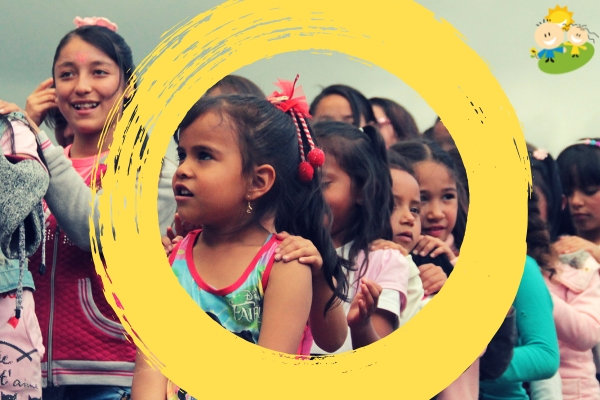 500 Colombian Children Learn Equality through Arts