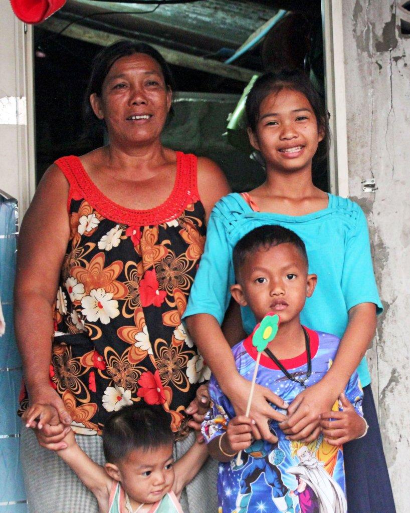 Help 100 Thai children get an education