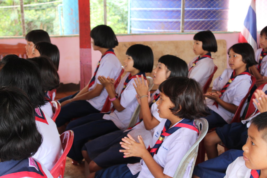 Help 100 Thai children get an education
