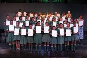 Celimfundo  receives their ABRSM Certificates