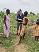 Understanding better: Elise talks with refugees