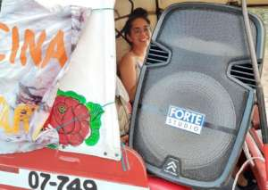 Aida driving a Mototaxi with the Solidary Speaker