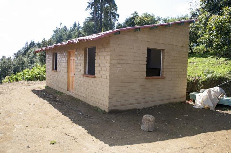 A bathroom for Santi