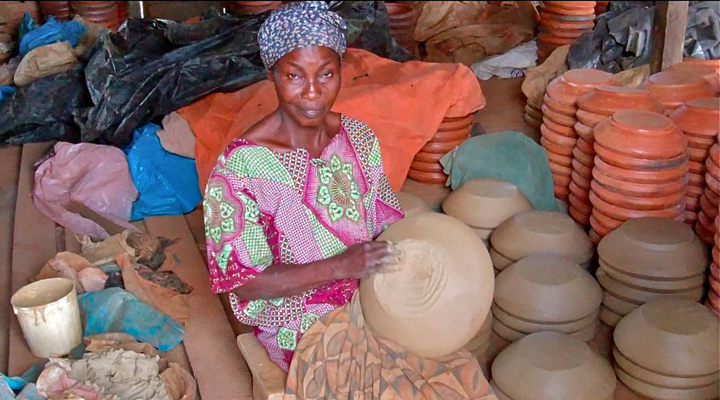 Empower 600 Women in Ghana with Microcredit Loans