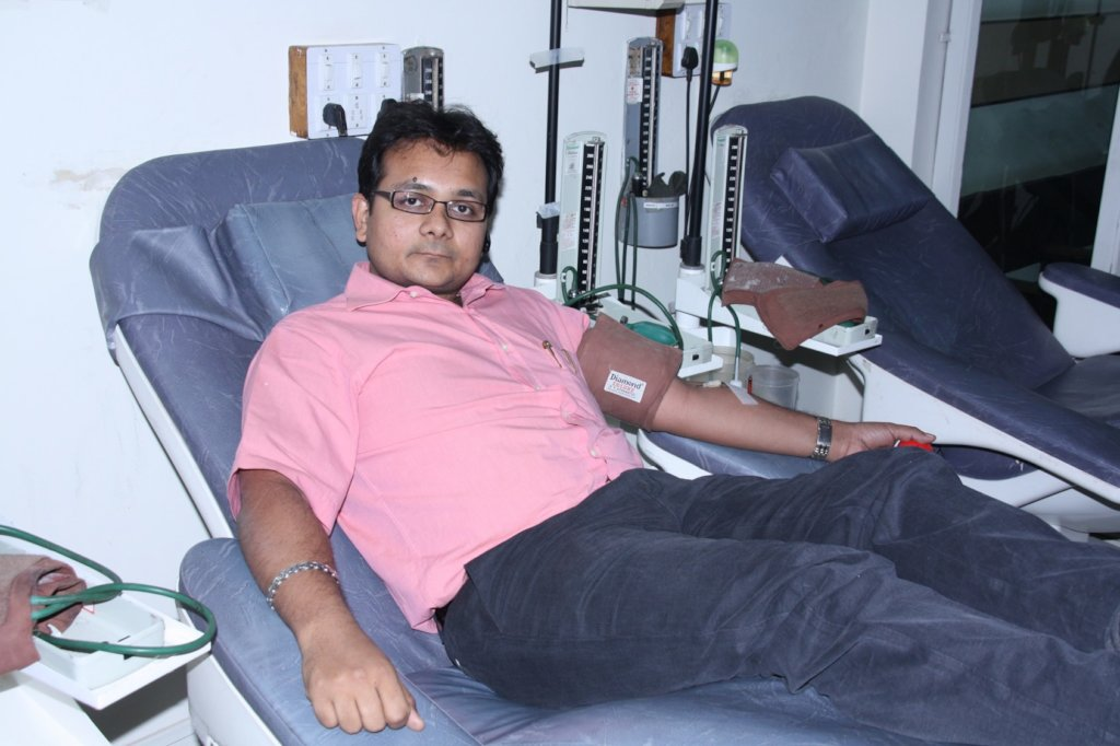 Be a helping hand to those who need of blood