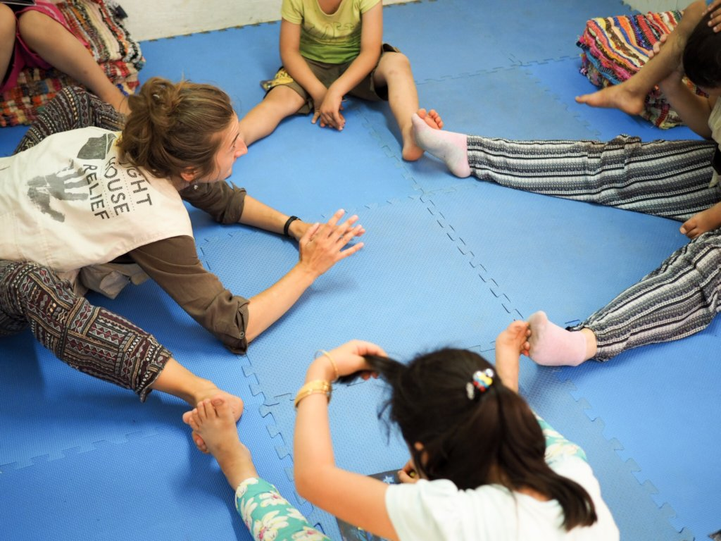 Support the integration of refugee children