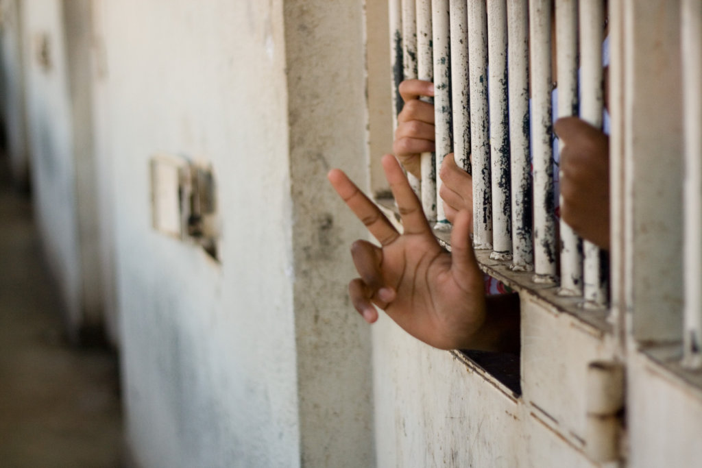 Help 250 children in prison in 5 countries