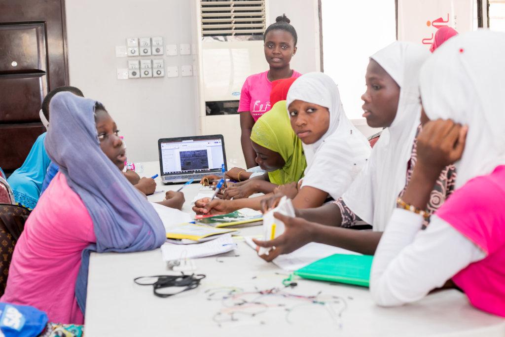 Работа в гане для девушек работа уфа вакансии девушки